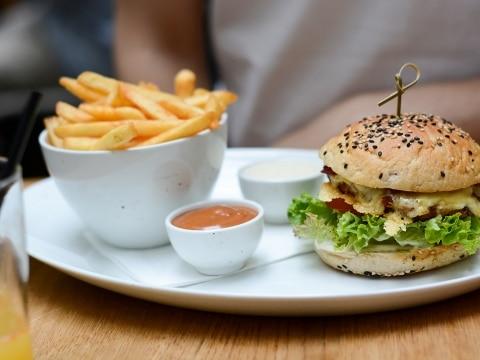 Tian-Bistro-Burger_PiximitMilch